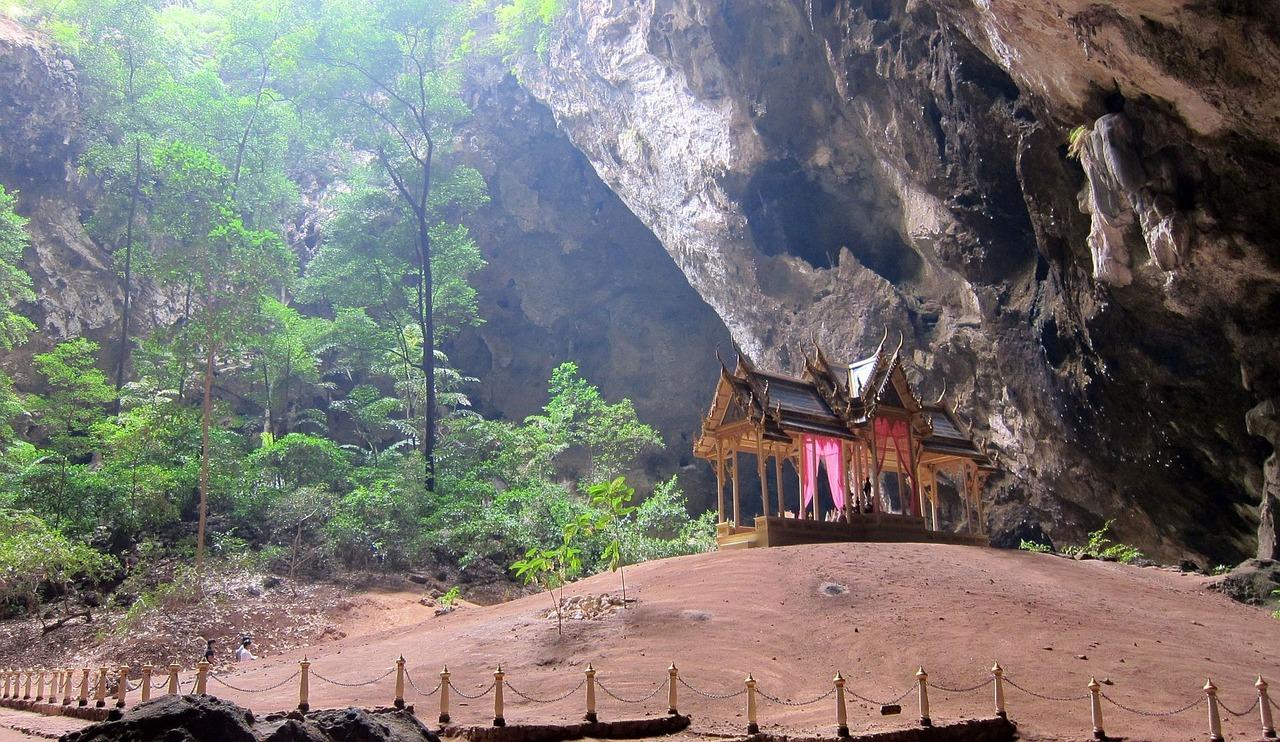 temple thailande, grotte julien manival